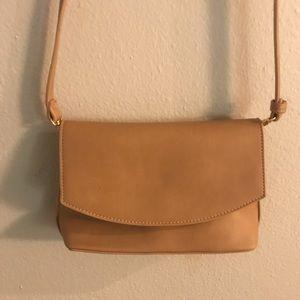 Lulus cross body bag/purse. Tan/taupe color.